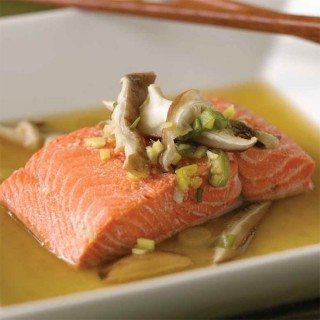 Asian-style Steamed Salmon